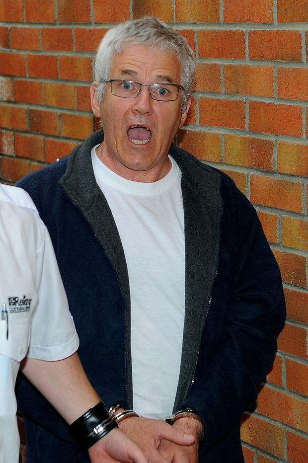 Tên tội phạm giết người hàng loạt vẫn tự tin đi chơi gameshow, trốn tội hoàn mỹ 24 năm nhưng lại bị lật tẩy vì một chiếc quần cũ - Ảnh 4.