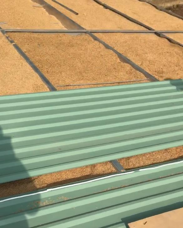 Ngôi nhà mái bằng trấu, vách vôi ở Đồng Nai nổi bật trên báo ngoại - Ảnh 7.