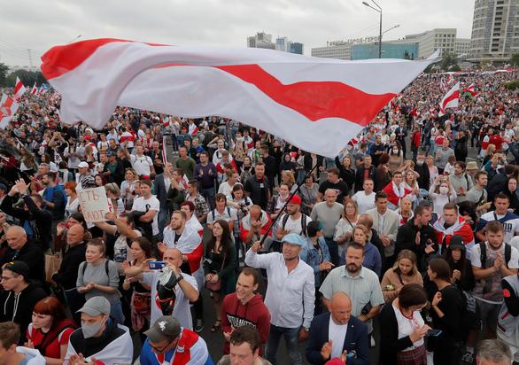 Phương Tây dự đoán những lựa chọn tồi tệ đối với ông Putin ở Belarus - Ảnh 1.