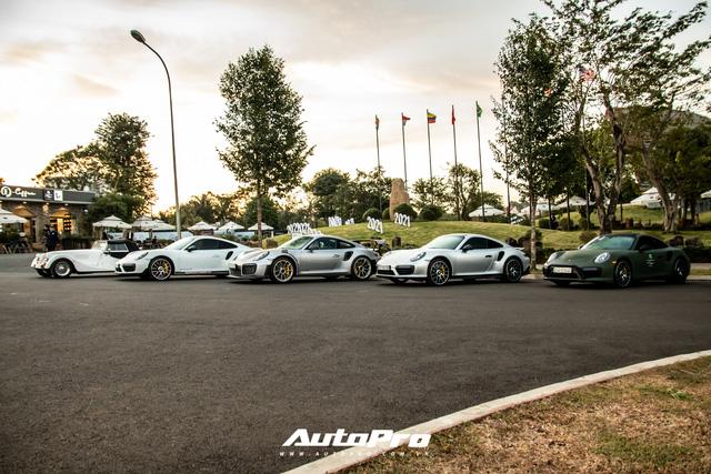Doanh nhân Đặng Lê Nguyên Vũ trưng dàn xe hơn 100 tỷ đồng: Bộ sưu tập Porsche 911 và Mercedes SLS AMG khiến dân chơi xe phải kính nể - Ảnh 2.