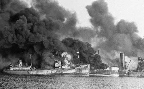 Trận đánh tiểu Trân Châu Cảng của Đức vào phe Đồng minh khủng khiếp ra sao? - Ảnh 1.