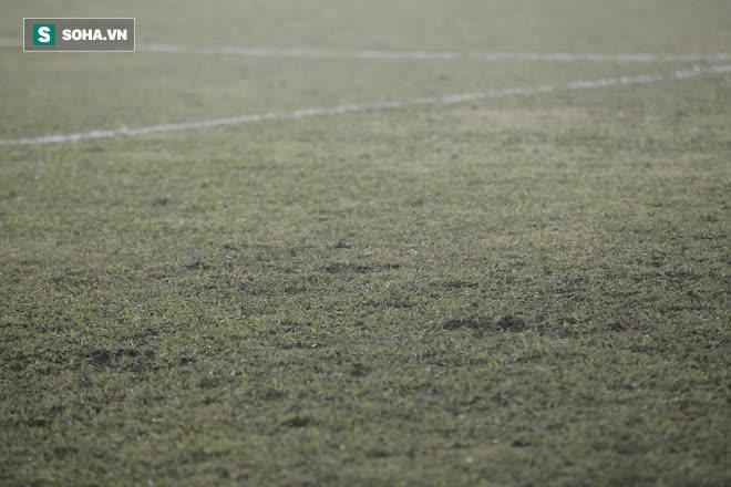 Cú vung tiền từ bầu Đức, lời phản pháo của Kiatisuk & gam màu sáng tối ở V.League 2021 - Ảnh 5.