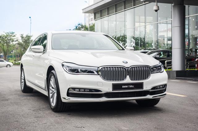 BMW 7-Series dọn kho giảm giá còn từ hơn 3,3 tỷ đồng: Sedan 'full-size' giá rẻ nhất Việt Nam - Ảnh 1.