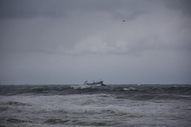 Tàu hàng Nga chìm trên Biển Đen, hai người thiệt mạng - ảnh 1