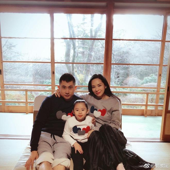Hoa hậu Hong Kong mất sự nghiệp vì tai tiếng giật chồng, bỏ thai ra sao ở tuổi U50? - Ảnh 8.
