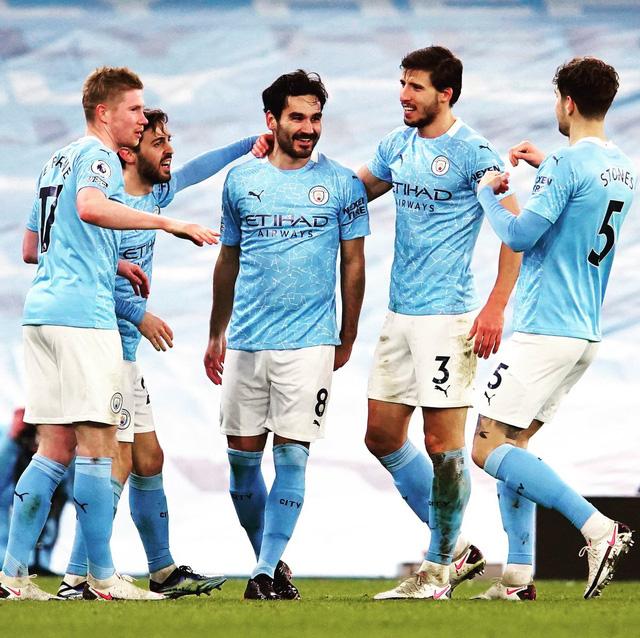 Manchester City 4-0 Crystal Palace: Áp sát ngôi đầu của Man Utd - Ảnh 2.