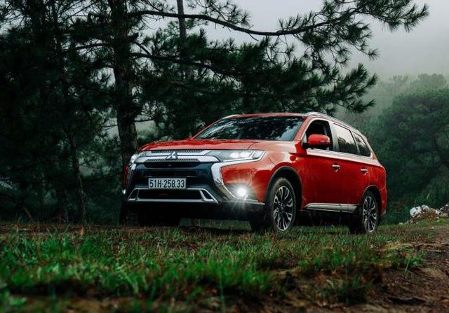 Mitsubishi tại Việt Nam triệu hồi hơn 9.000 xe Xpander và Outlander - Ảnh 1.