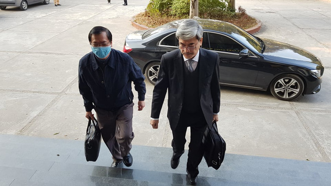 Vì sao cựu Bộ trưởng Vũ Huy Hoàng đến tòa bằng xe Mercedes? - Ảnh 1.