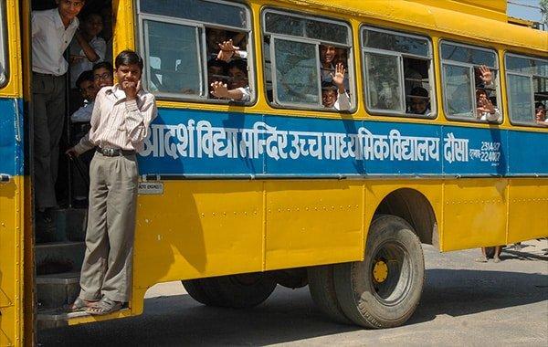 Sở giao thông Ấn Độ đổi lịch xe buýt vì lời đề nghị của 1 chú bé - Ảnh 3.