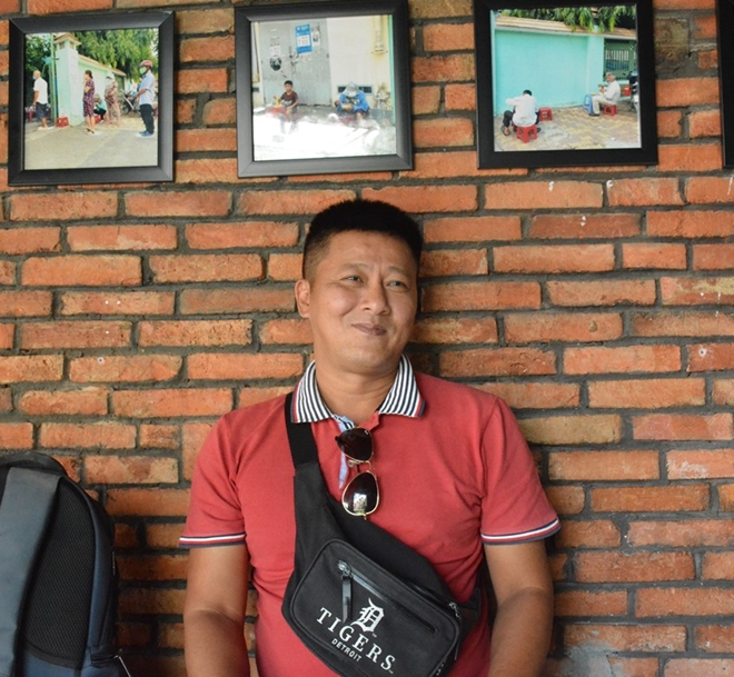 Tây mưu sinh trên đường phố Sài Gòn mùa dịch COVID-19 - Ảnh 10.