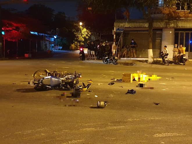 Hai thanh niên vượt đèn đỏ gây tai nạn khiến 2 người tử vong - Ảnh 1.