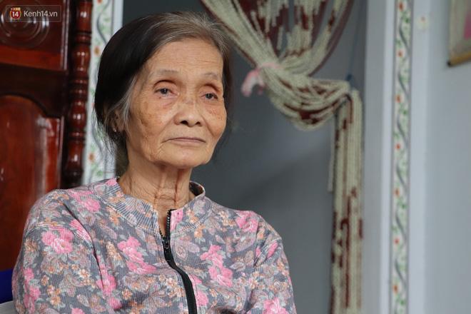 Xót cảnh cụ bà chăm chồng lở loét khắp người, muốn đưa đi viện nhưng không đủ chi phí: Ổng chỉ mong chết đi cho bà bớt khổ - Ảnh 2.