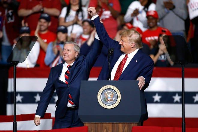 Thượng nghị sĩ Cộng hòa cảnh báo: Việc sai trái này sẽ hủy hoại Tổng thống Trump - Ảnh 1.
