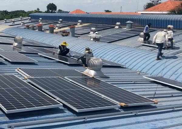 Điện mặt trời miền Nam vượt mặt thủy điện lớn nhất miền Bắc  - Ảnh 1.