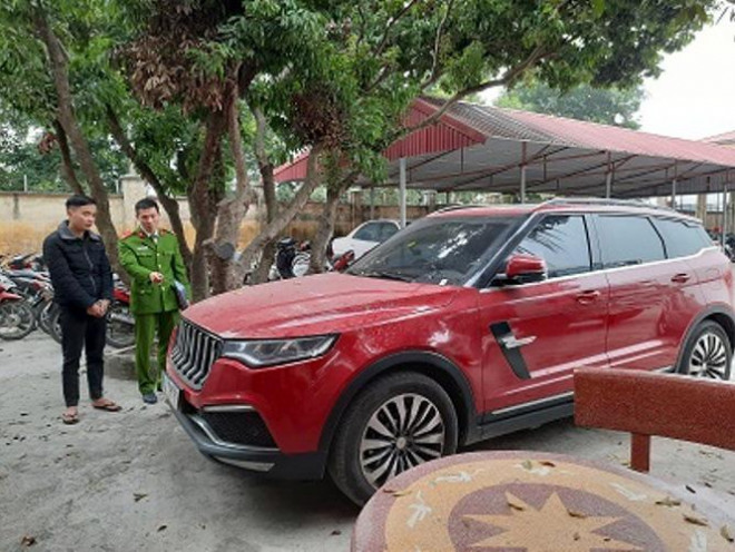 Kẻ nổ súng vào ô tô Dương Minh Tuyền: Sống kiểu giang hồ, hay lên mạng chửi nhau - Ảnh 2.