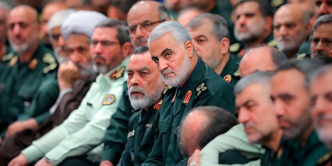 """Iran báo động toàn bộ lực lượng hải quân ở vùng Vịnh, tuyên bố """"đòi nợ máu"""" cho tướng cấp cao bị Mỹ giết chết - Ảnh 1."""