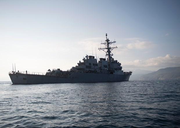 Báo Trung Quốc: Mỹ phải ngoan ngoãn rút lui khi bị tàu chiến Nga chặn đường - Đừng đùa với Gấu! - Ảnh 1.