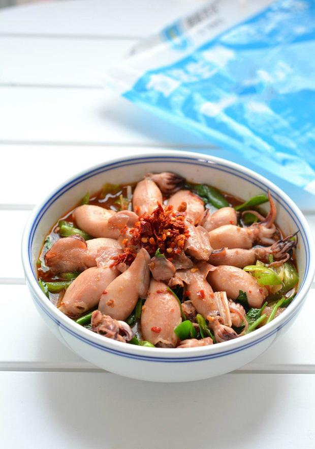 Cơm nóng trộn trứng sống - sa tế: Món ăn đang hot trên MXH mấy ngày nay, hóa ra lại dễ làm và vô cùng thơm ngon nhờ loại gia vị made in Việt Nam này - Ảnh 8.