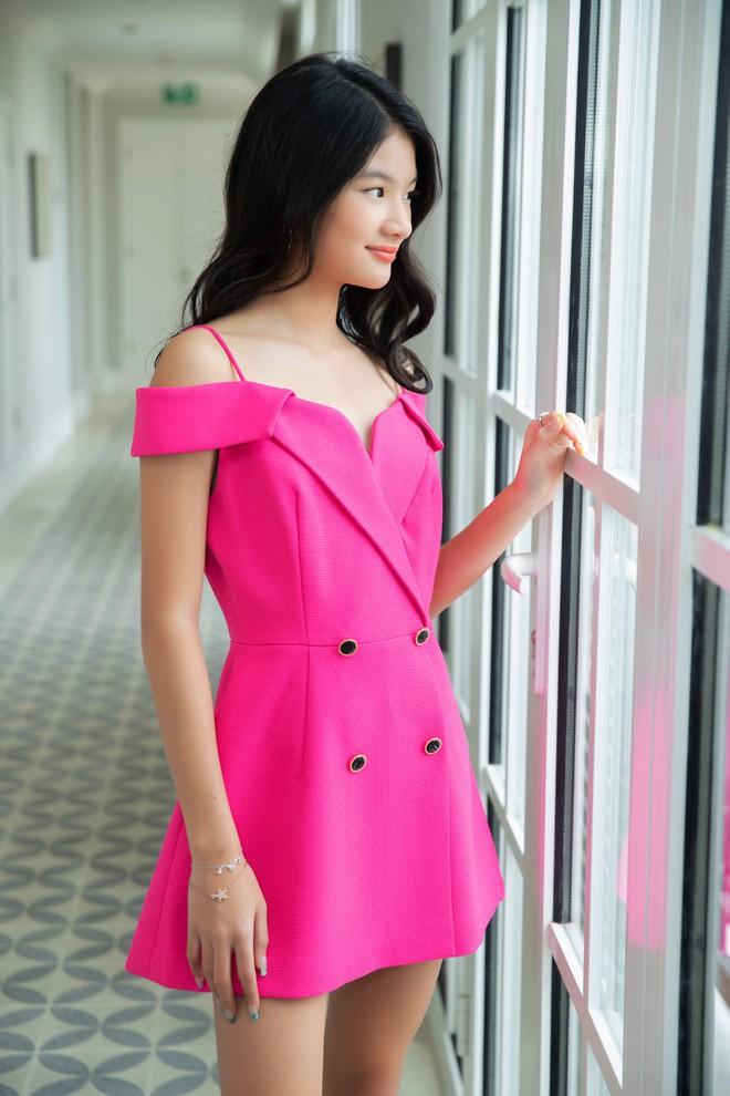Nhan sắc con gái xinh đẹp, 13 tuổi đã được dự đoán là hoa hậu tương lai của Trương Ngọc Ánh - Trần Bảo Sơn - Ảnh 3.