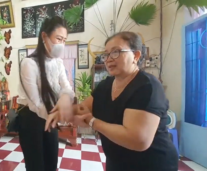 Vợ hai Vân Quang Long công khai tiền phúng viếng, có hành động gây bất ngờ sau tang lễ - Ảnh 1.
