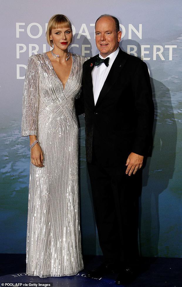 Vương phi xinh đẹp nhất Monaco chính thức lên tiếng về lý do lựa chọn mái tóc cạo nửa đầu, giải đáp nghi vấn hôn nhân rạn nứt - Ảnh 1.