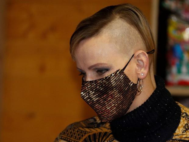 Vương phi xinh đẹp nhất Monaco chính thức lên tiếng về lý do lựa chọn mái tóc cạo nửa đầu, giải đáp nghi vấn hôn nhân rạn nứt - Ảnh 2.