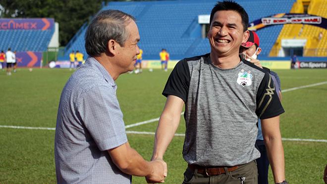 Bầu Đức bất ngờ ca ngợi 3 HLV Việt Nam & tiếp thêm doping tinh thần cho HAGL - Ảnh 1.