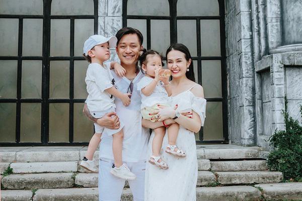 Thiên Lôi Tuấn Hưng của Táo quân: Vợ đẹp con ngoan khiến ai cũng ngưỡng mộ  - Ảnh 4.