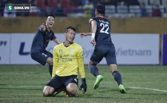 Chuyên gia Vũ Mạnh Hải: Hà Nội FC không tạo được gì mới mẻ, HLV Chu Đình Nghiêm dễ mất ghế - Ảnh 1.