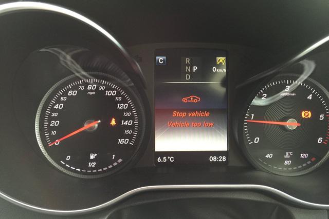 Méo mặt với giá sửa Mercedes-Benz C 300 AMG hỏng giảm xóc hơn 250 triệu đồng - Ảnh 5.