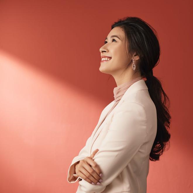 Gánh vác trọng trách kế nghiệp cơ ngơi hàng nghìn tỷ, ái nữ nhà Alphanam còn chụp ảnh quảng cáo xuất sắc như người mẫu chuyên nghiệp - Ảnh 7.