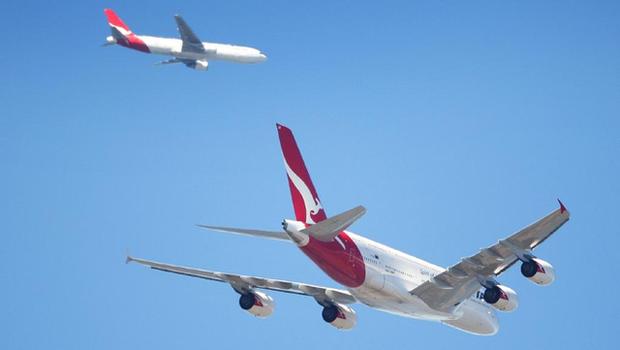 Nam phi công chia sẻ cảnh tượng cực hiếm gặp: 2 máy bay lửng lơ song song nhau trên bầu trời, liệu có nguy hiểm như ta nghĩ? - Ảnh 2.