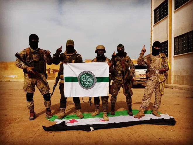 QĐ Thổ liên tiếp bị phục kích ở Syria: Điểm mặt 3 bàn tay đen đang cố tình giật dây? - Ảnh 4.