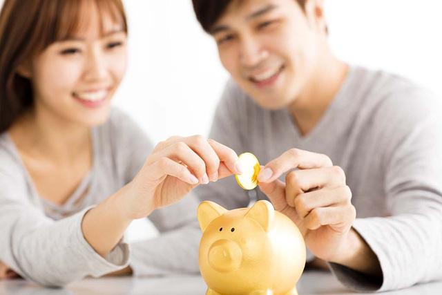 Gia đình muốn hạnh phúc và giàu có, tốt nhất cứ đưa tiền cho vợ giữ: Sống đừng nên quá rạch ròi, hỗ trợ lẫn nhau mới là thượng sách - Ảnh 1.