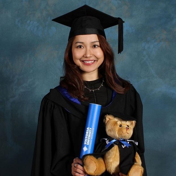 Nhỏ Hạnh trong Kính Vạn Hoa sau 16 năm: Nhận học bổng khi đang đóng phim, đi du học, giờ làm cô giáo xinh hack tuổi - Ảnh 5.