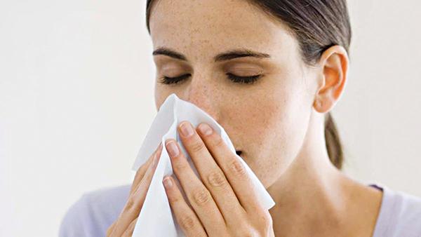 Chảy nước mũi trong mùa lạnh - khi nào cần đến gặp bác sĩ? - Ảnh 1.