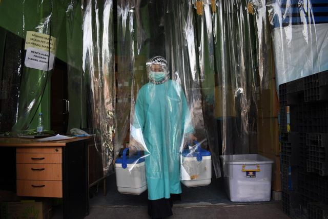 Kế ngoại giao vaccine lung lay sau báo cáo sốc từ Brazil: Trung Quốc dồn lực chạy nước rút? - Ảnh 1.