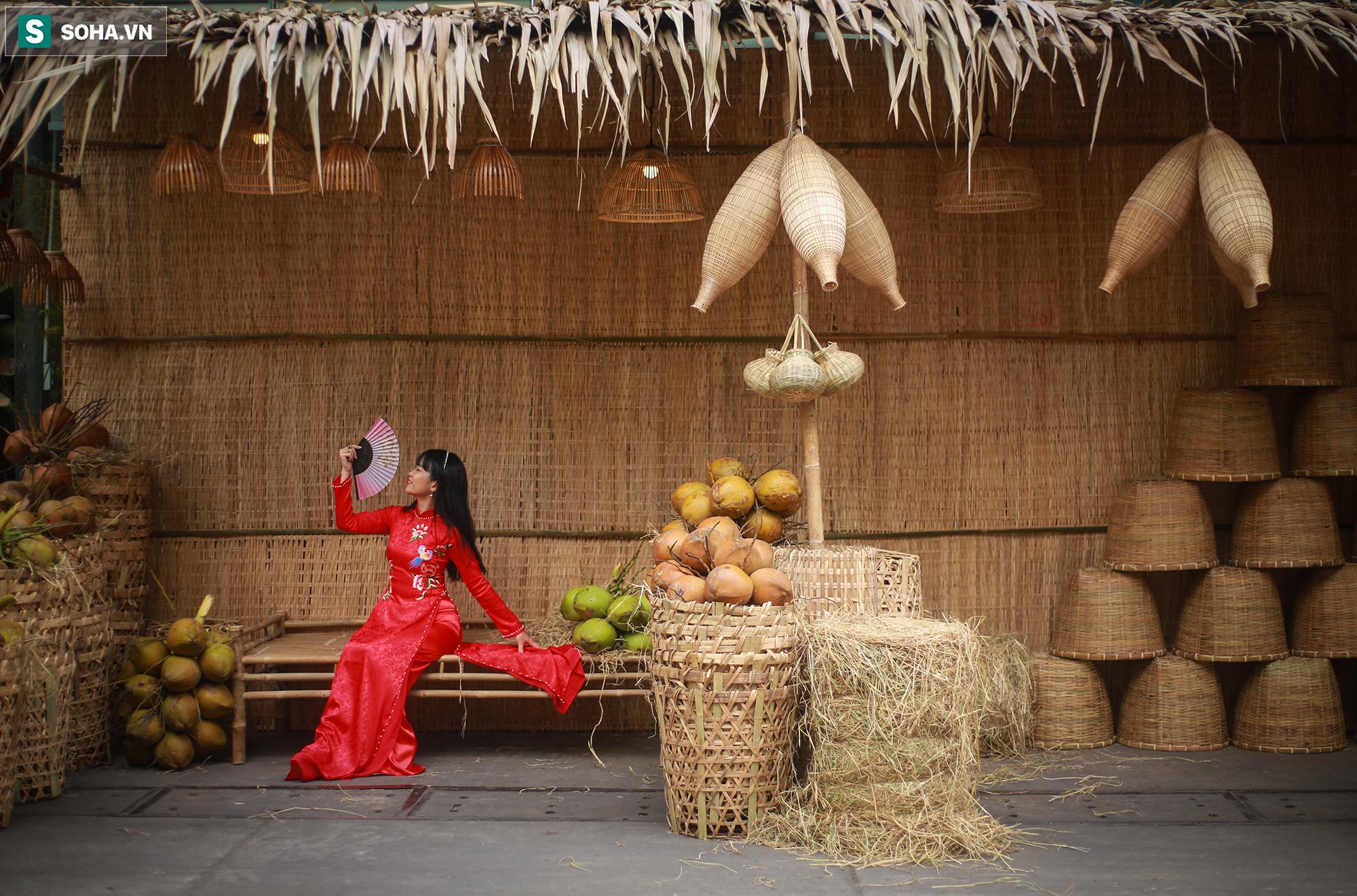 [Ảnh] Thiếu nữ Sài Gòn xinh đẹp xúng xính áo dài check-in sống ảo ở con đường hoa mai - Ảnh 5.