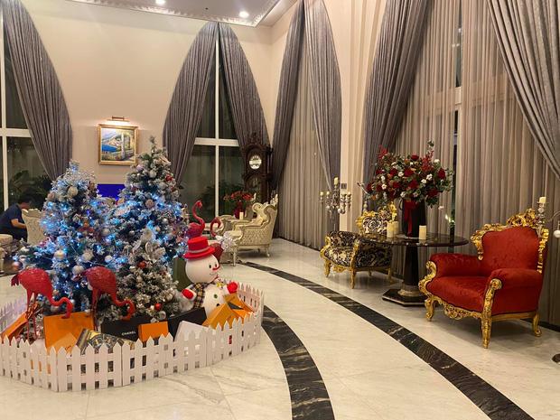 Cận cảnh biệt thự của Hoa hậu Giáng My: Sang chảnh như cung điện, phòng khách có sức chứa cả trăm người - ảnh 2