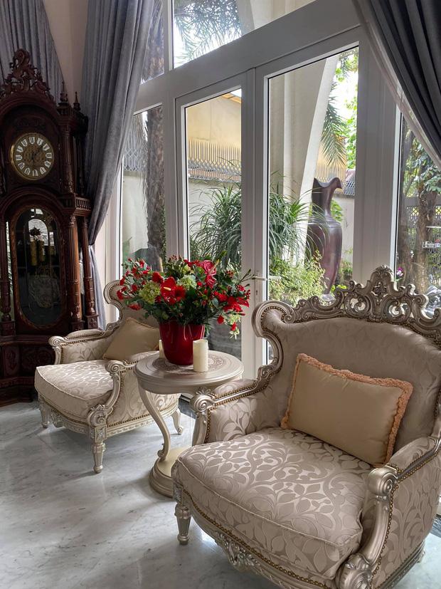 Cận cảnh biệt thự của Hoa hậu Giáng My: Sang chảnh như cung điện, phòng khách có sức chứa cả trăm người - ảnh 6