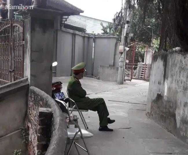 Hà Nội lập chốt chặn, cách ly nhà của bác sĩ về từ Vân Đồn - Quảng Ninh - Ảnh 1.