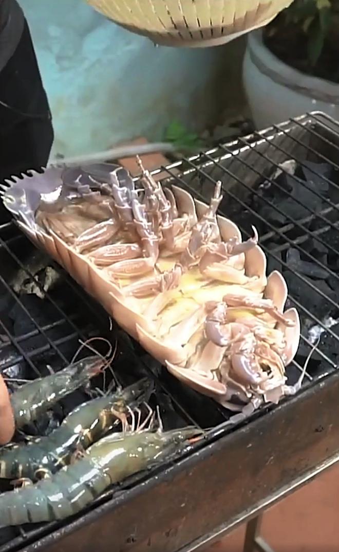 Màn review ăn thử món bọ biển khổng lồ giá 4 triệu/con, thịt của chúng liệu có ngon như tưởng tượng - ảnh 4