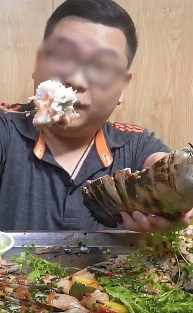 Màn review ăn thử món bọ biển khổng lồ giá 4 triệu/con, thịt của chúng liệu có ngon như tưởng tượng - ảnh 6