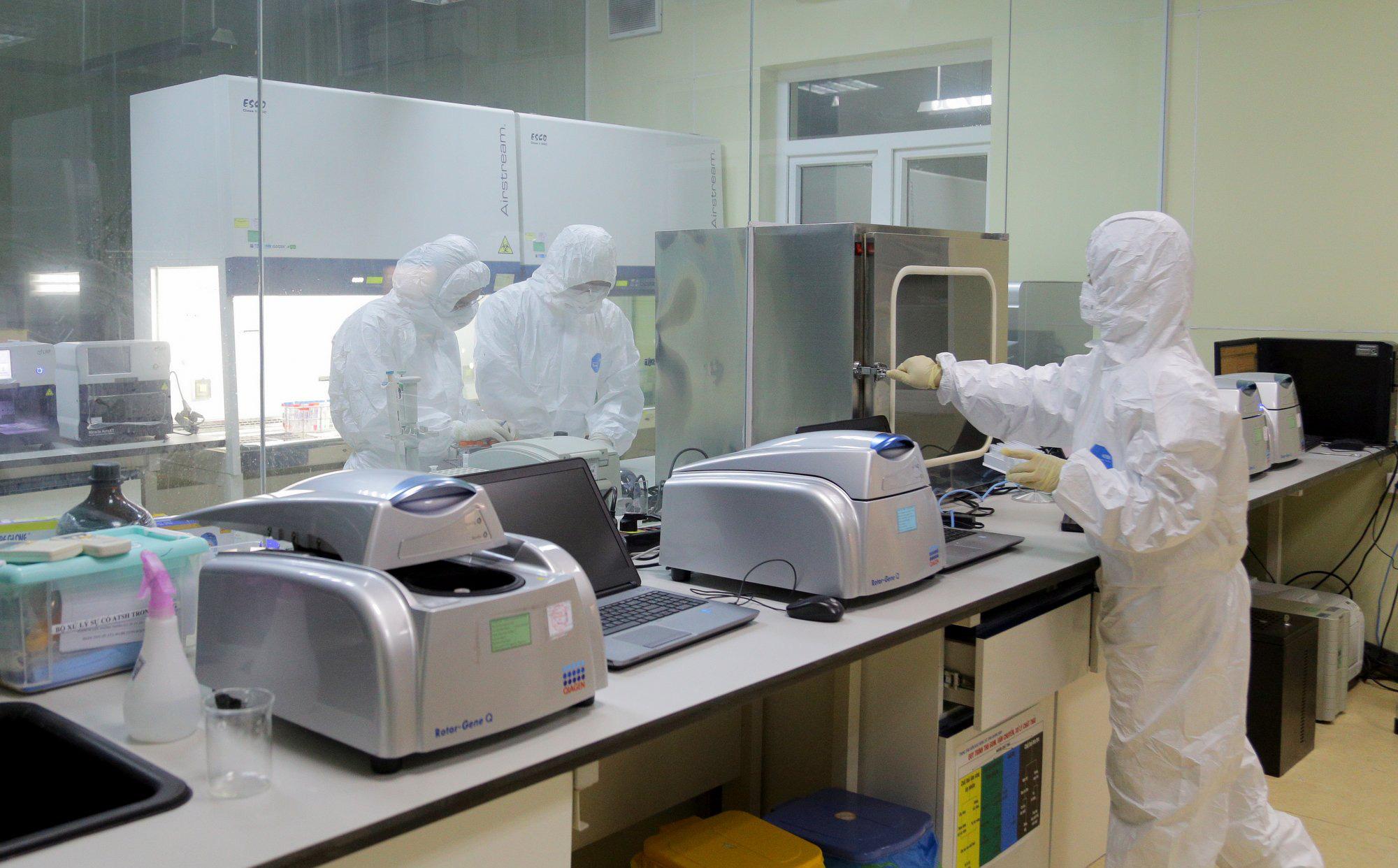 Quảng Ninh vừa công bố danh sách 10 ca nghi nhiễm Covid-19, một người là mẹ của BN 1553