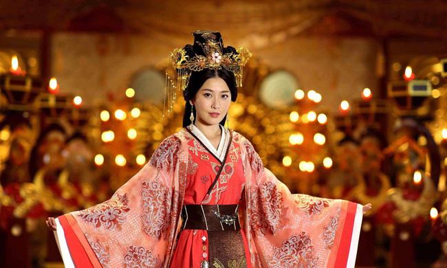 Những màn cung đấu khốc liệt trong lịch sử Trung Hoa khiến người đời sau khóc thét vì độ tàn độc của các mỹ nữ hậu cung - Ảnh 1.