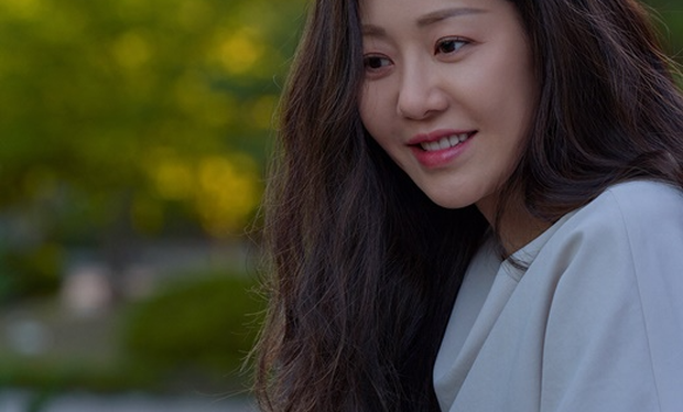 Đánh bật cả Hyun Bin - Son Ye Jin, nhan sắc U50 của Á hậu bị đế chế Samsung ruồng bỏ lên top 1 Naver - Ảnh 5.