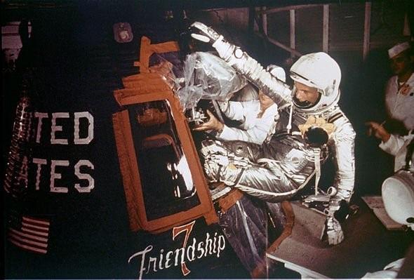NASA công bố hiện tượng Đom đóm lại xuất hiện, sự sống thực sự tồn tại ngoài Trái đất? - Ảnh 1.
