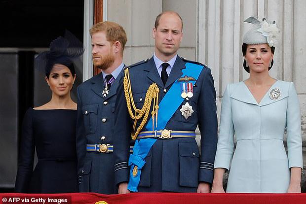 Hoàng tử Harry quyết định trở về Hoàng gia lần đầu sau khủng hoảng Megxit, Meghan và con trai không đi cùng vì lý do ít ai ngờ tới - Ảnh 2.