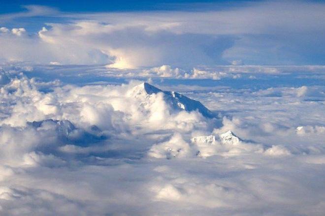 Tại sao các máy bay dân dụng hiếm khi bay qua dãy Himalaya? - Ảnh 2.