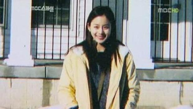 Hot lại bộ ảnh Kim Tae Hee thời sinh viên: Nhan sắc chấp camera mờ nhòe, bảo sao thành nữ thần Đại học Quốc gia Seoul - Ảnh 13.